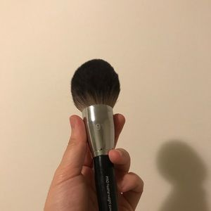 Sephora Makeup - SEPHORA COLLECTION PRO Featherweight Brush #91